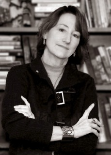 Gunston to Host Poet Nancy Mitchell in Roundtable Discussion for In Celebration of Books Program